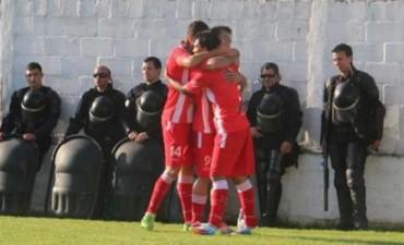 Atlético Paraná goleó a Libertad de Sunchales y puso un pie en semifinales