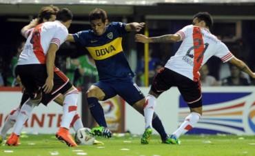 Boca y River lucharon más de lo que jugaron e igualaron por el primer chico en la Bombonera