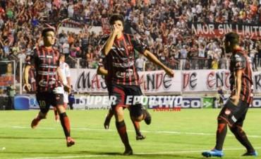 Patronato se quedó con el clásico ante Atlético Paraná y llega de la mejor forma al Reducido
