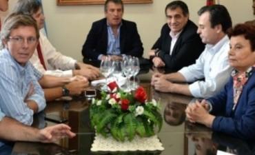 Urribarri ratificó su precandidatura a presidente y la simultaneidad de los comicios