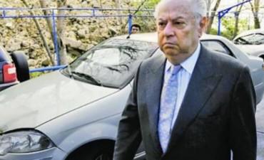 Revocaron el sobreseimiento de Corach en la causa por supuestas irregularidades en la investigación del atentado a la AMIA