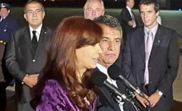 Cristina llegó a Paraná con Capitanich y un dirigente radical