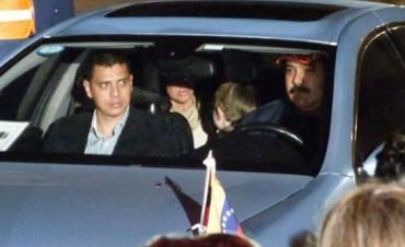 En medio de gran operativo, Maduro condujo en Paraná