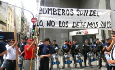 Bomberos Voluntarios entregaron nuevo petitorio al Gobernador en Casa de Entre Ríos