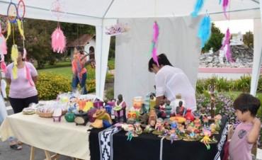 Este Domingo se realiza la Feria Artesanal de Navidad
