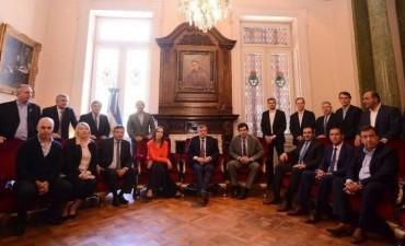 El silencio de los gobernadores que dieron quórum y la foto que necesitaba el Gobierno