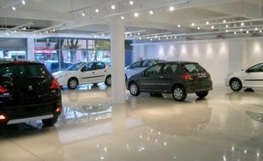 Advierten sobre subas de hasta 10 por ciento en precios de autos
