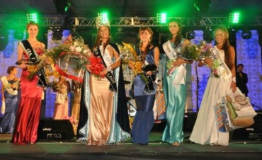 Estas son la reina y las princesas de la Fiesta Nacional del Lago