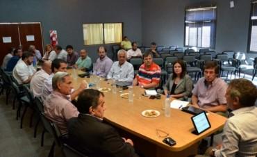 Urribarri reunió a su gabinete para analizar la creciente del río, obras públicas y educación