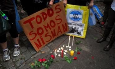 Emotiva despedida de las hijas de Nisman: