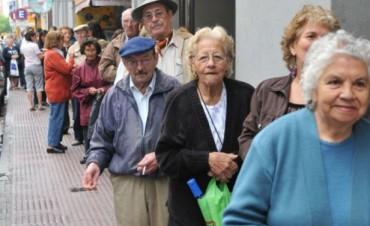 Anuncian un aumento para más de 7,5 millones de jubilados y pensionados nacionales