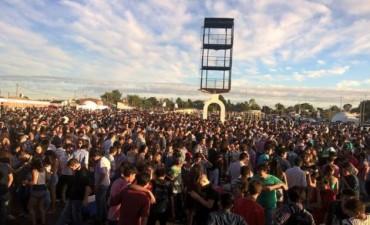 El Anfiteatro rebalsó de gente para recibir el nuevo año