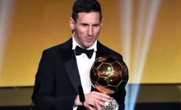Lionel Messi recibió su quinto Balón de Oro y marcó un nuevo récord