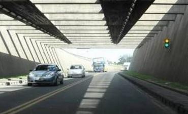 Por el recambio turístico, circulan 3000 autos más por día por el Túnel