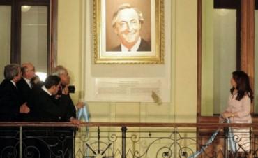 Quitarán los cuadros de Néstor Kirchner de la Rosada