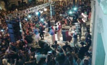 Una multitud presenció el cierre de los carnavales de calle Dónovan 2016