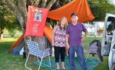 Los primeros turistas llegan al camping