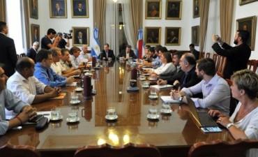 El gobierno provincial prevé invertir 850 millones de pesos en obras viales en los próximos meses
