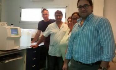 FLAMANTE CONTADOR HEMATOLOGICO PARA  EL LABORATORIO DEL HOSPITAL URQUIZA