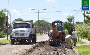 RECONSTRUCCIÓN Y BACHEO EN URQUIZA