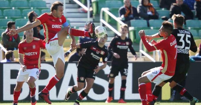 El Pincha, sin Verón, perdió por penales con el Leverkusen