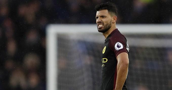 Everton de Funes Mori vapuleó al City de Agüero y Otamendi