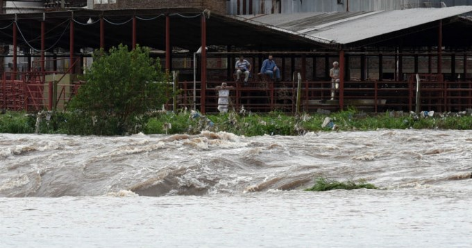 Inundaciones hacen estragos en Santa Fe, Buenos Aires y Jujuy