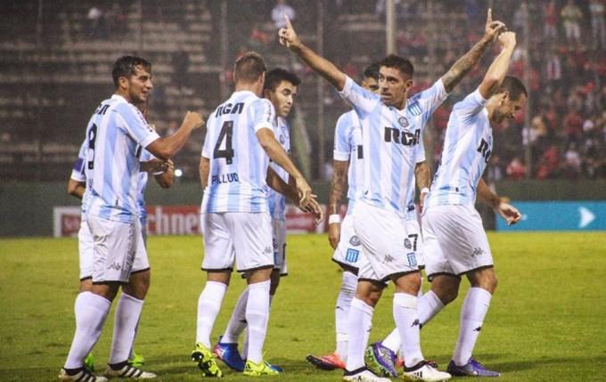 Racing goleó a un Independiente sin respuestas