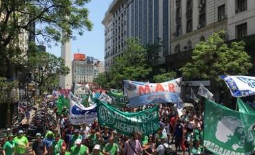 Los estatales de ATE protestan en todo el país  Paro y marcha contra los despidos