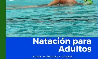 PROSIGUEN LAS CLASES DE NATACIÓN PARA ADULTOS