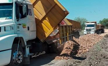 Vialidad trabaja en el repaso de caminos productivos de Gualeguaychú