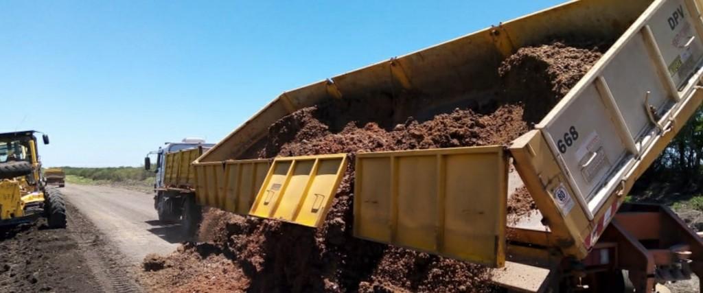 Trabajan en la recuperación de tramos de la ruta provincial 20 - VILLAGUAY-FEDERAL -