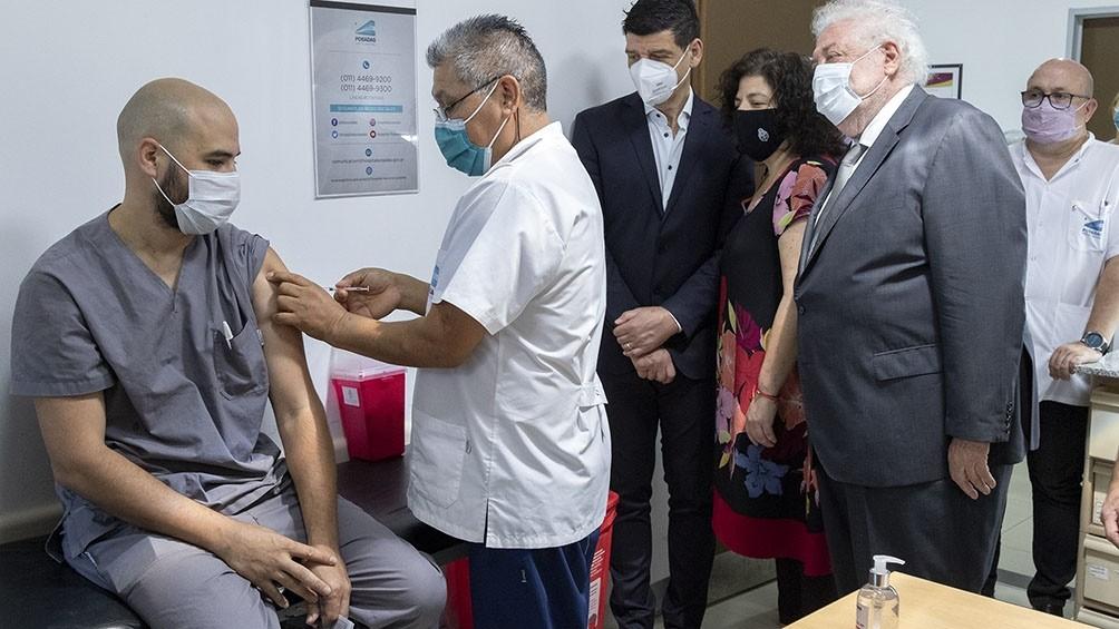 Arrancó segunda etapa de la vacunación y Ginés dijo que el país