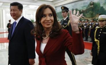 Cristina cerró una exitosa gira que culminó con 22 acuerdos para potenciar la alianza con China