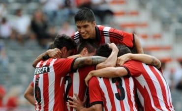 Estudiantes le ganó a Arsenal en Sarandí en su debut en el torneo