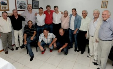 Bahl largó mostrando apoyos en Paraná Campaña