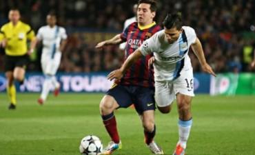 Lionel Messi y el Kun Agüero, frente a frente en el duelo entre Barcelona y Manchester City