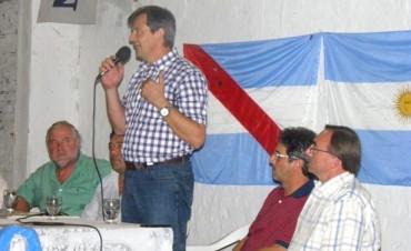 Ádan Bahl presentó su pre-candidatura a gobernador en Federal