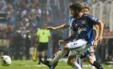 Atlético Tucumán volvió a Primera con un buen triunfo ante Racing