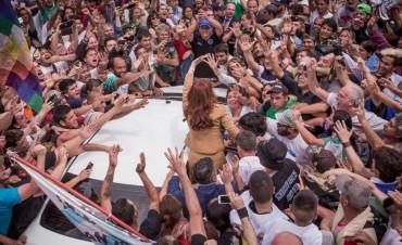 Cristina convocó a marchar con los trabajadores el 7 de marzo