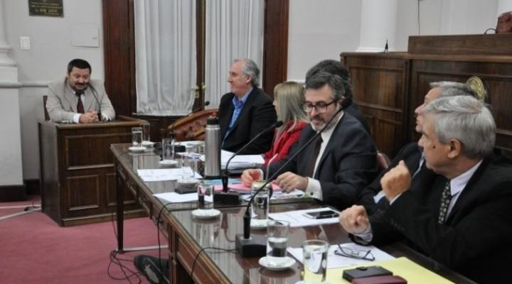 Cambiemos no da acuerdo a pliegos de cinco defensores - MARIA DEL CARMEN MOLARES en la lista