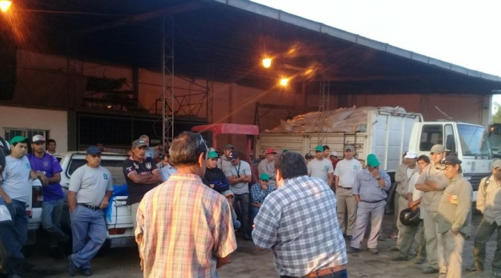 Empleados municipales afiliados a UPCN realizaron retención de servicios