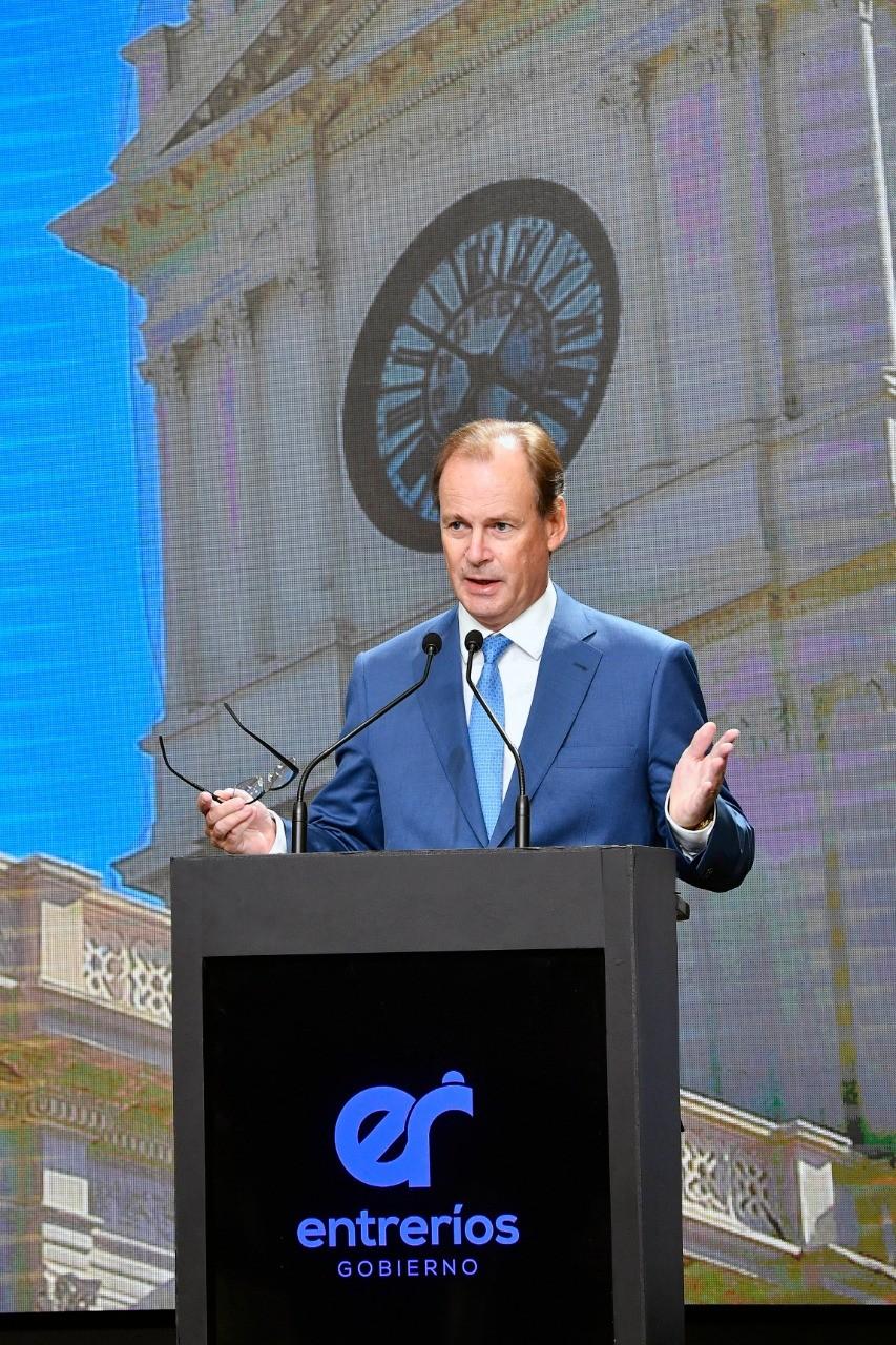 Bordet prometió restituir un 0.5% más de aportes patronales a IOSPER y antes del final de su mandato el 2%