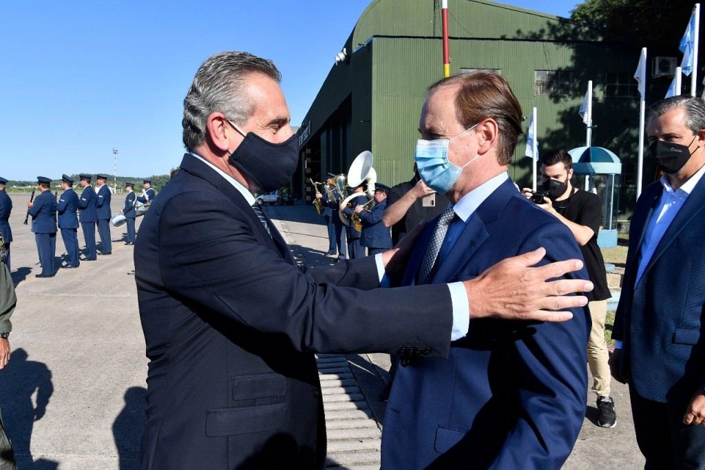 El ministro de Defensa destacó la logística de vacunación en Entre Ríos