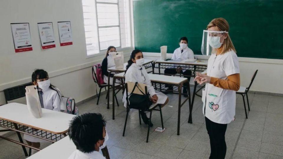 Comenzó el registro de vacunación contra el Covid-19 para el personal de establecimientos educativos