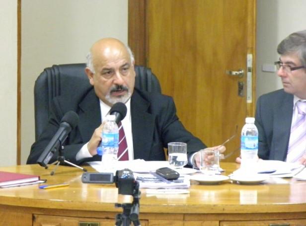 Con un discurso de casi una hora, Felipe Torres dejó formalmente inaugurada las sesiones 2015 del H.C.D.