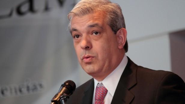 Julián Domínguez se bajó de la precandidatura a presidente después de hablar con Cristina
