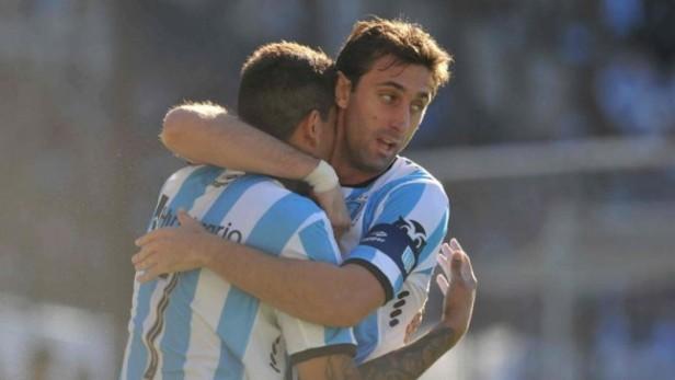 La dupla que mueve a Racing: Bou y Milito marcaron en el triunfo ante San Martín de San Juan