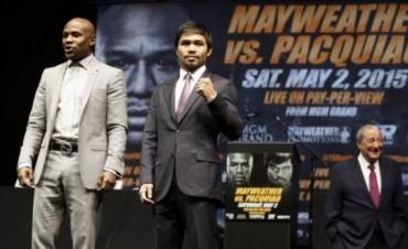 Pacquiao y Mayweather, cara a cara por primera vez en la cuenta regresiva hacia 'la pelea del siglo'