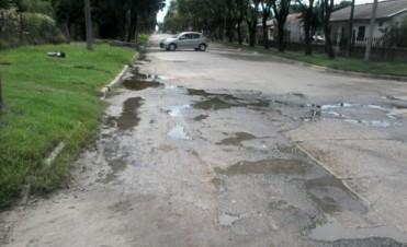 Continúan los reclamos por las aguas servidas en Artussi y Eulogio González